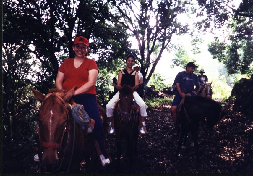Cabalgar a la orilla del río Pescados Jalcomulco Veracruz